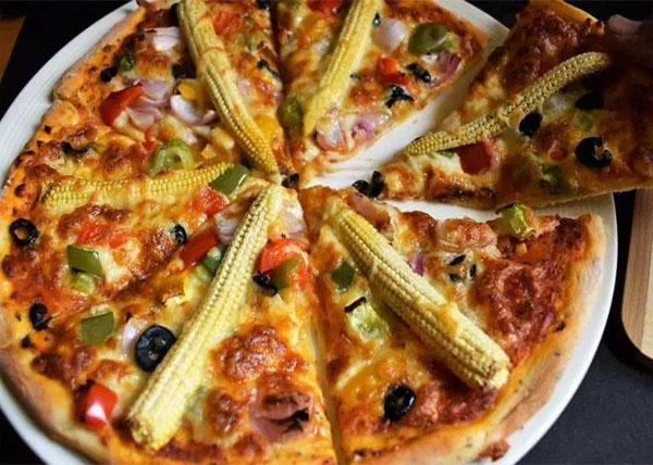 online Margherita Pizza with Olive/Baby corn order in pokhara
